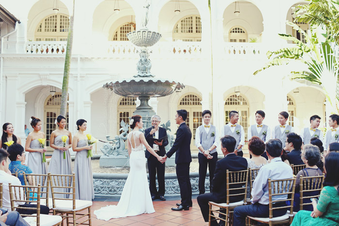 A Classic Outdoor Wedding At Raffles Hotel Singapore