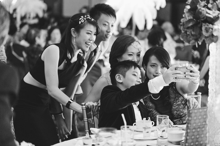 Selfies: A New Era In Wedding Day Photography. Photo by 39 East Photography. www.theweddingnotebook.com