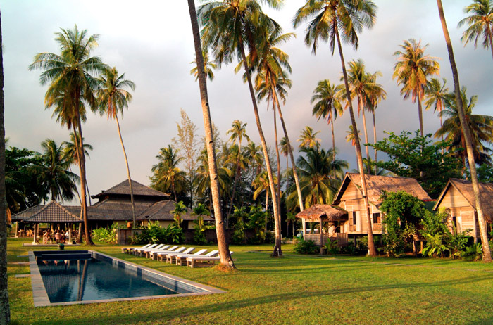Bon Ton Resort Langkawi –7 Interesting Places To Say 'I Do' In Malaysia. www.theweddingnotebook.com