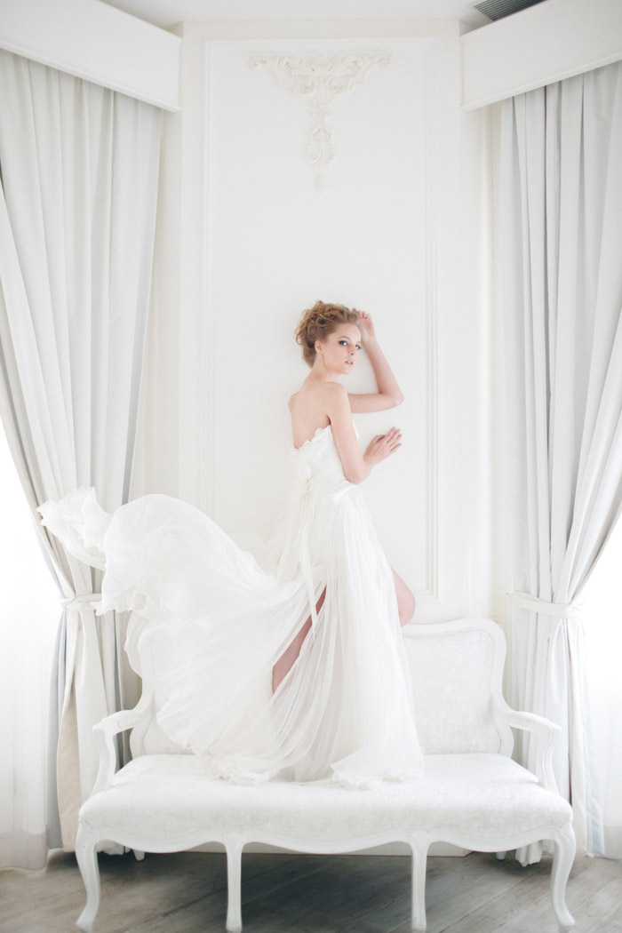 The White Collection by Vivian Luk. www.theweddingnotebook.com
