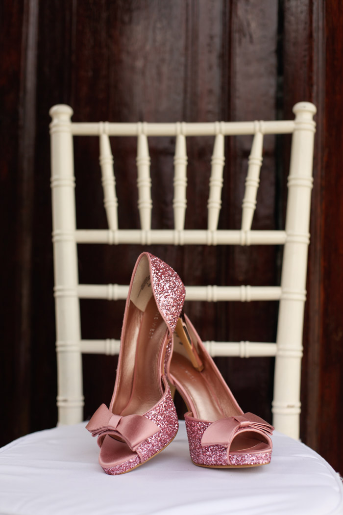 Bridal Shoes by Nine West. Photo by Anna Rina Photography. www.theweddingnotebook.com