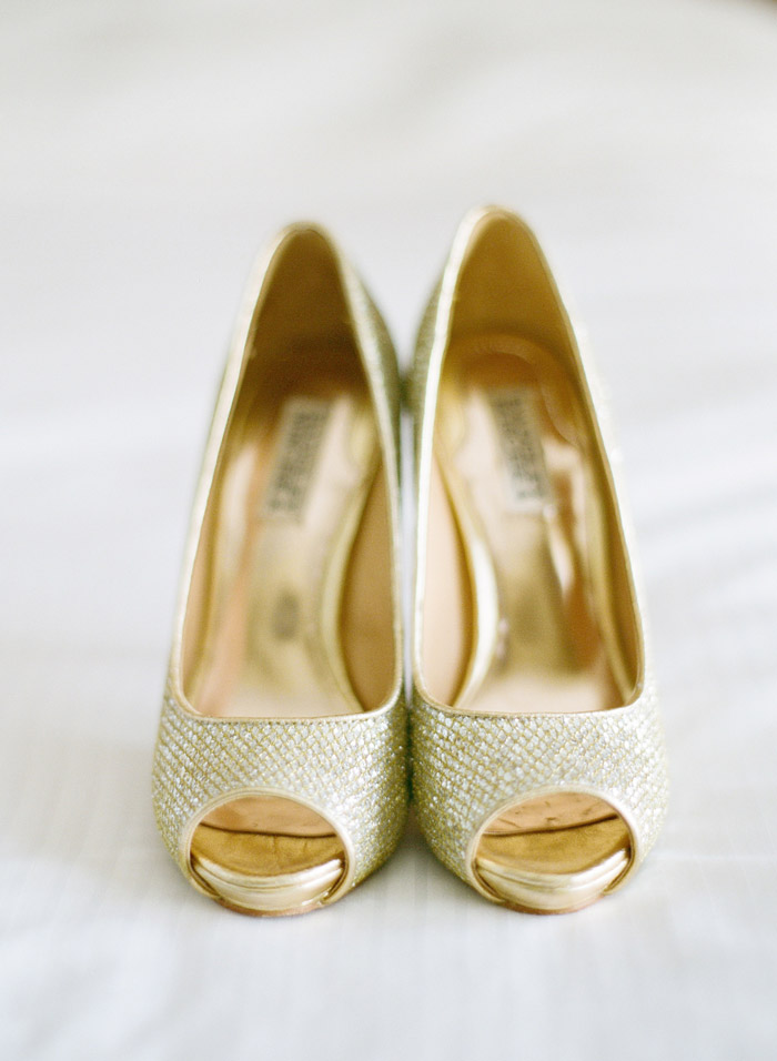 Bridal Shoes By Badgley Mischka. Photo By Taylor Lord Photography.  Www.theweddingnotebook.
