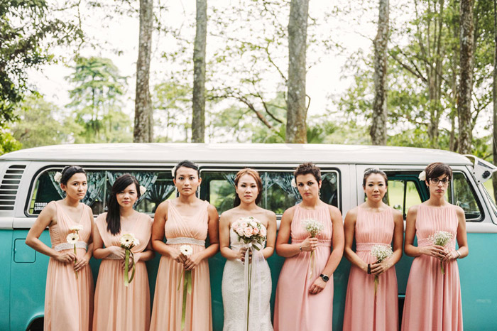 Vintage bridesmaids look. Photo by Ann-Kathrin Koch Photography. www.theweddingnotebook.com