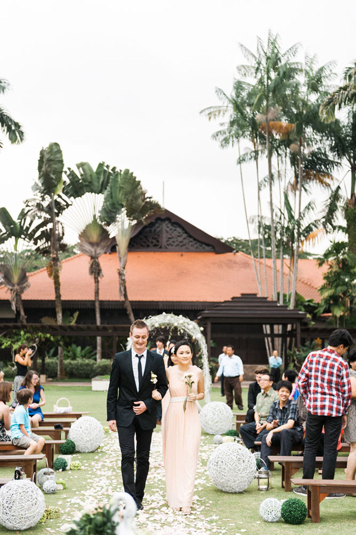 Garden wedding at Pulai Springs Resort, Malaysia. Photo by Ann-Kathrin Koch Photography. www.theweddingnotebook.com
