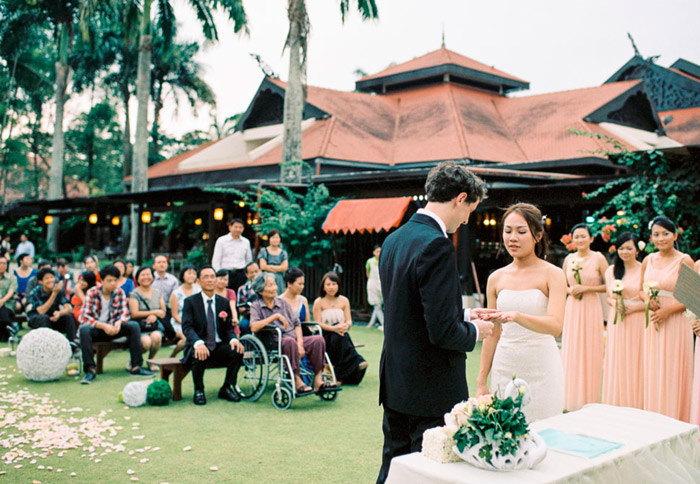 Pulai Springs Resort, Sabah garden wedding. Photo by Ann-Kathrin Koch Photography. www.theweddingnotebook.com