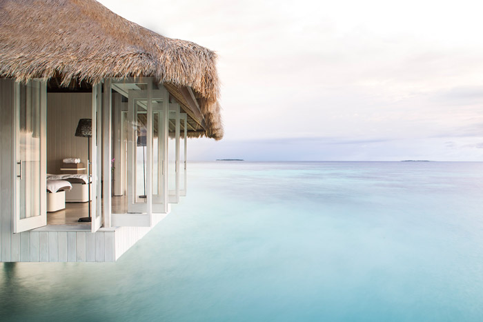 20 Honeymoon Ideas – Cheval Blanc Randheli, Maldives. www.theweddingnotebook.com