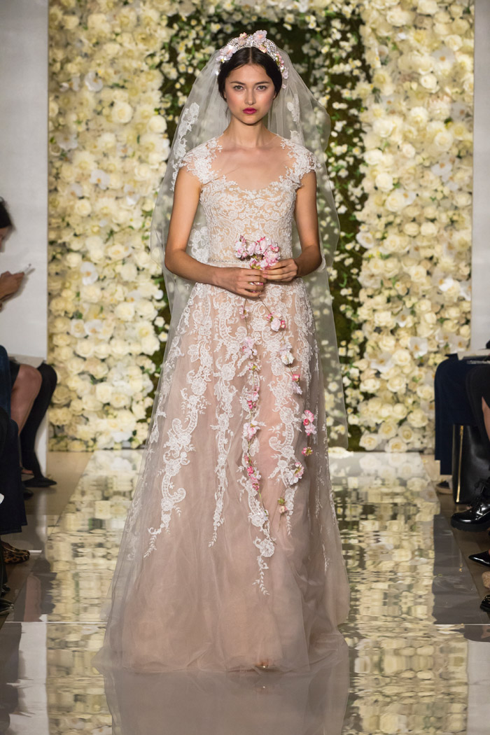 I'm Stunning – Reem Acra Fall 2015 Bridal Collection. www.theweddingnotebook.com