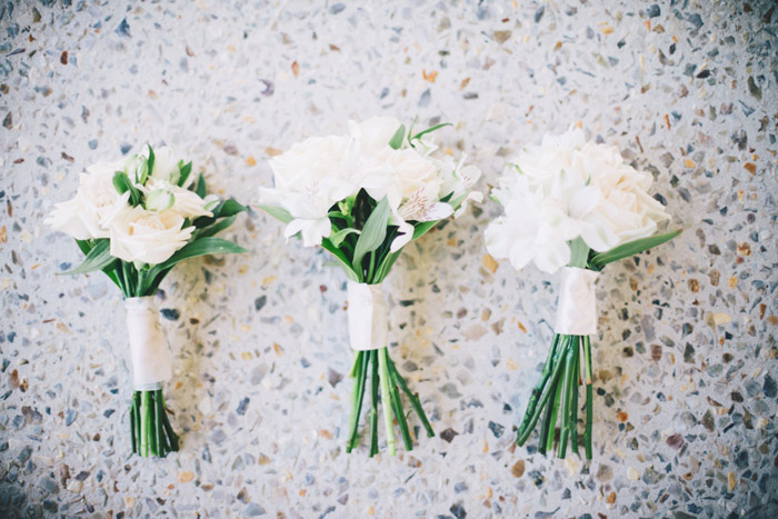 Photo Ben Yew Photography. Flowers by Blooming Beautiful. www.theweddingnotebook.com