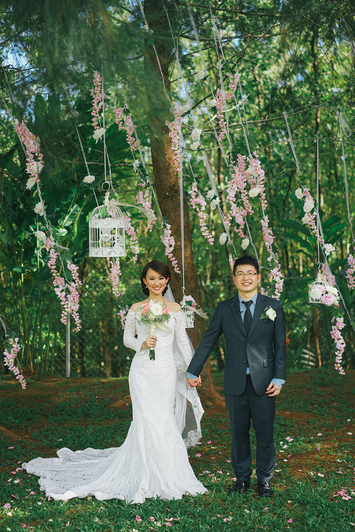 Garden wedding in Cove55, Malaysia. Photo by Fabulous Moments. www.theweddingnotebook.com