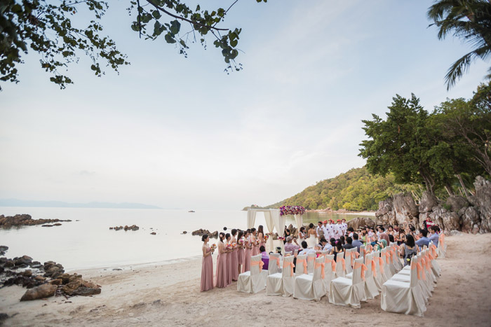 Destination wedding Four Seasons Koh Samui. Photo by Stories by Integricity. www.theweddingnotebook.com