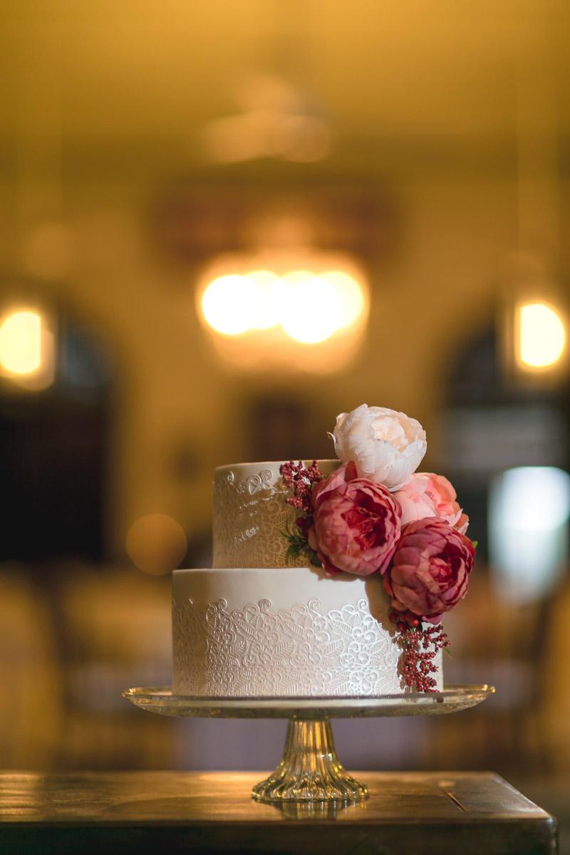 Photo by Alextan Artworks. www.theweddingnotebook.com