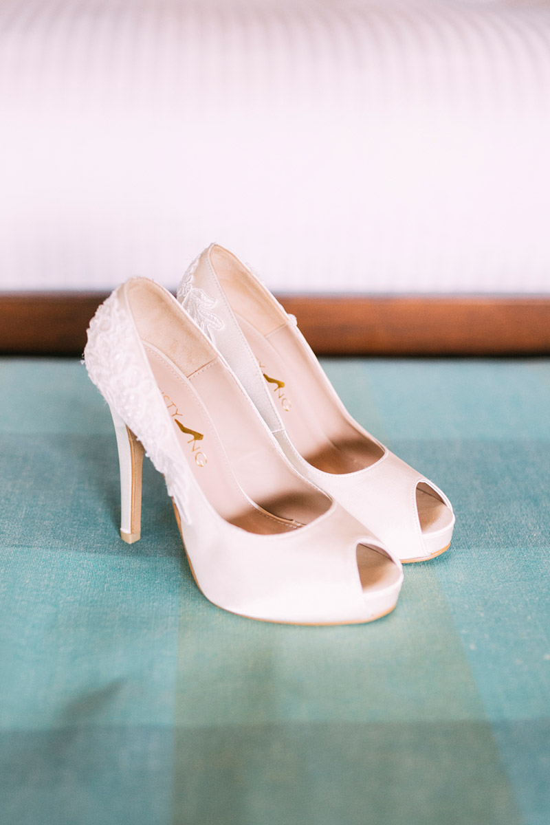 Bridal Shoes by Christy Ng Shoes. Photo by HelloJaneLee. www.theweddingnotebook.com