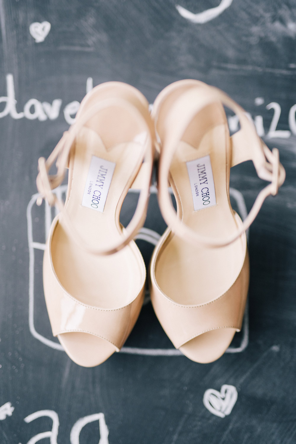 Bridal shoes. Ben Yew Photography. www.theweddingnotebook.com