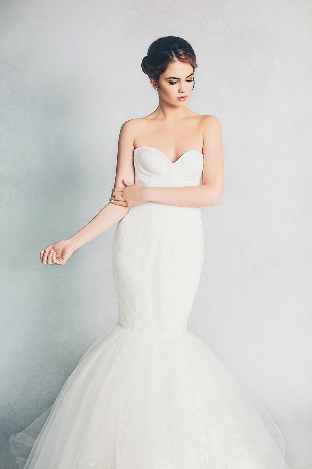 Lily – Elizabeth Stuart Spring 2015 Collection. www.theweddingnotebook.com