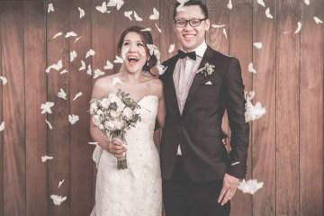 Photo by Angela Rose Photography. www.theweddingnotebook.com