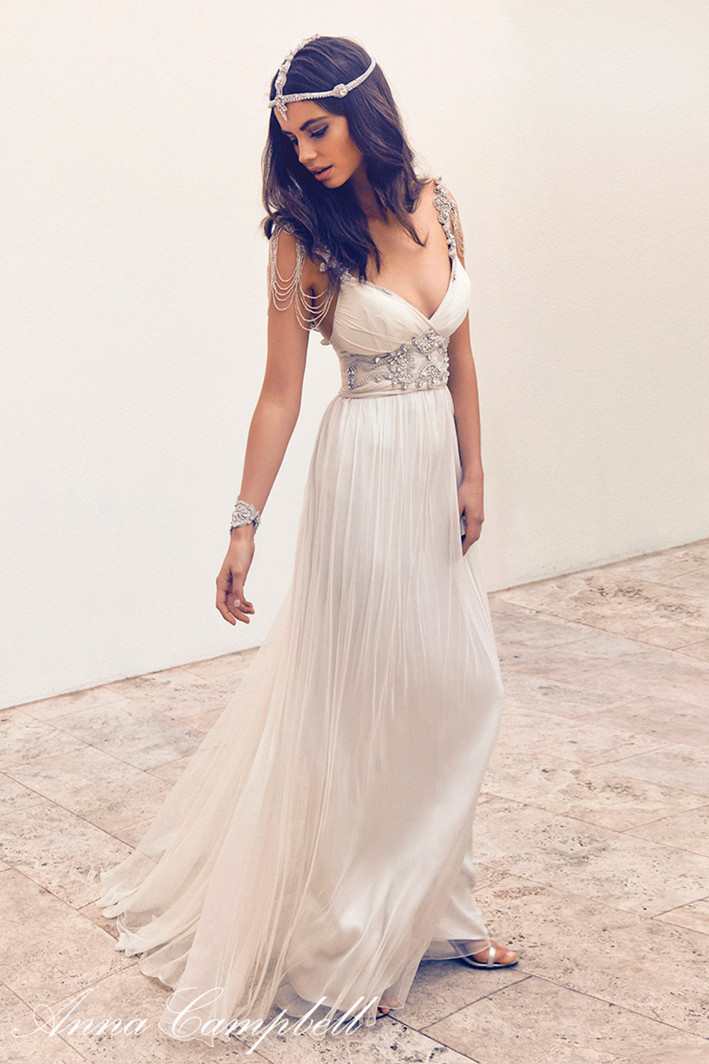 Amy Ivory - Anna Campbell 2016 Collection. www.theweddingnotebook.com
