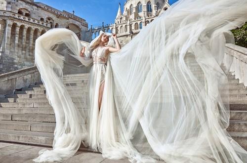 Elise Cape - Galia Lahav Haute Couture Fall 2016 Collection. www.theweddingnotebook.com