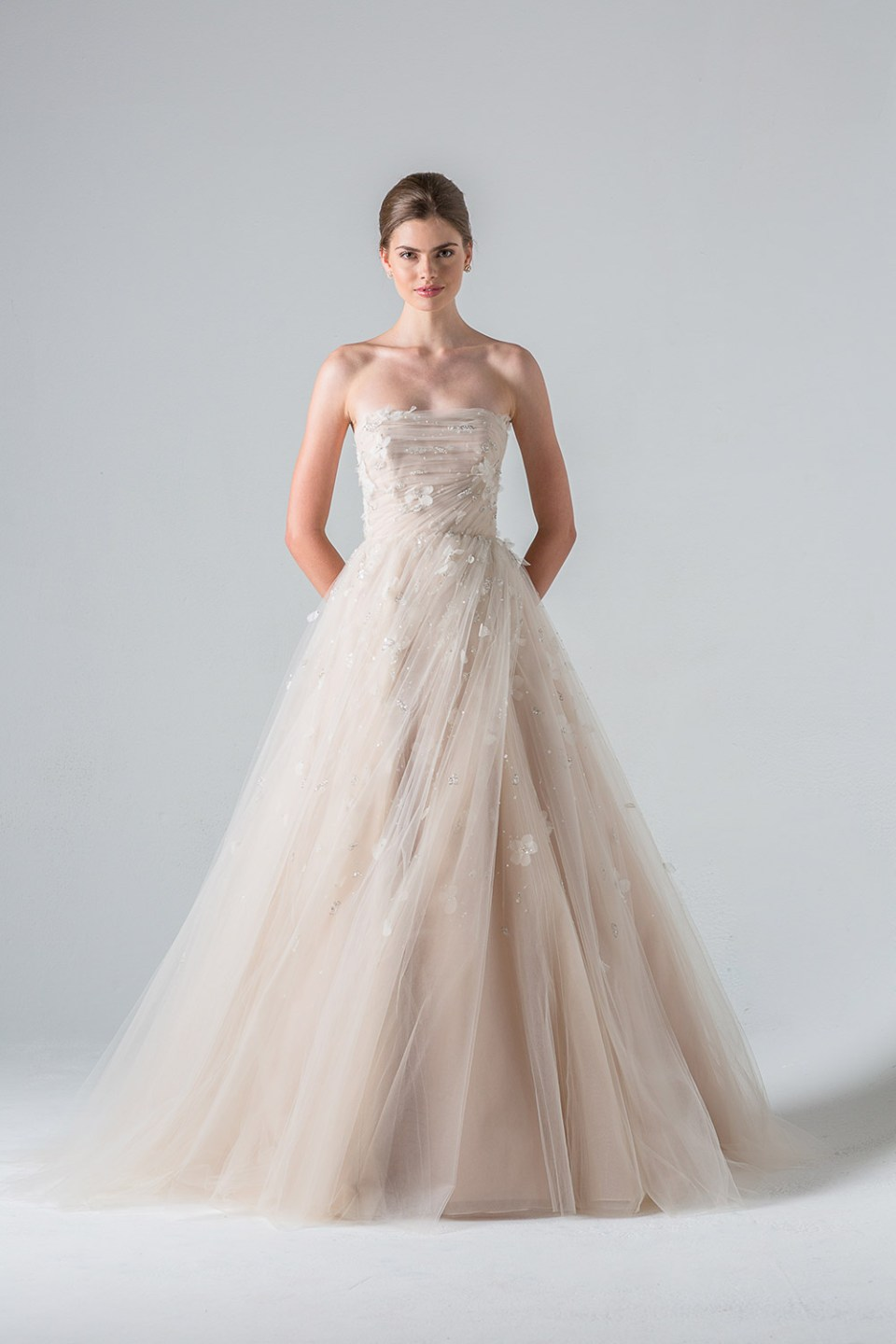 Tuilieries - Anne Barge Couture Spring 2016 Collection. www.theweddingnotebook.com