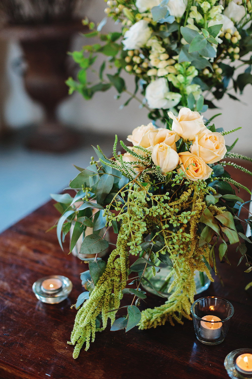 Photo by Jonathan Ong Photography. www.theweddingnotebook.com