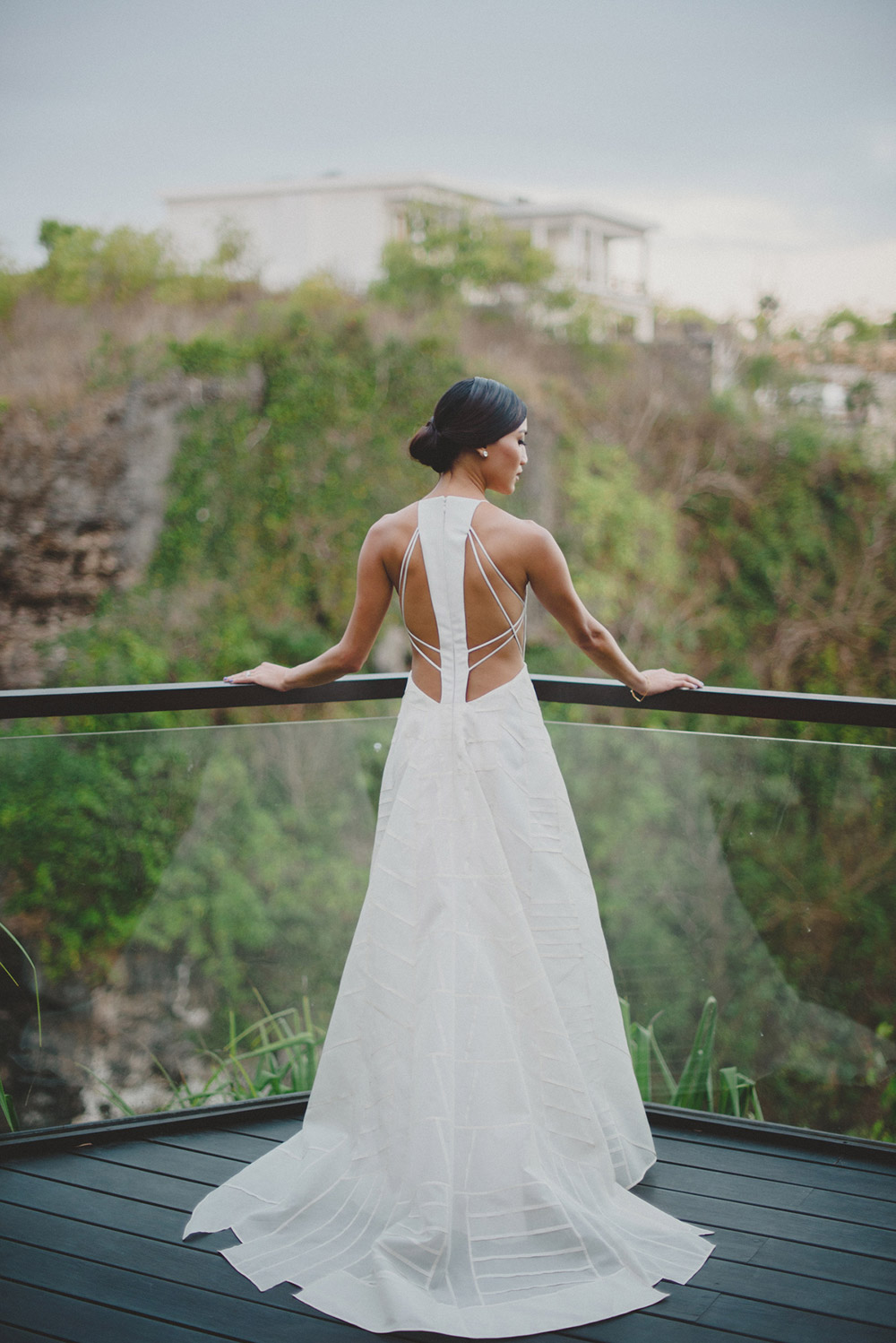 Contemporary bridal gown. Photo by Terralogical. www.theweddingnotebook.com