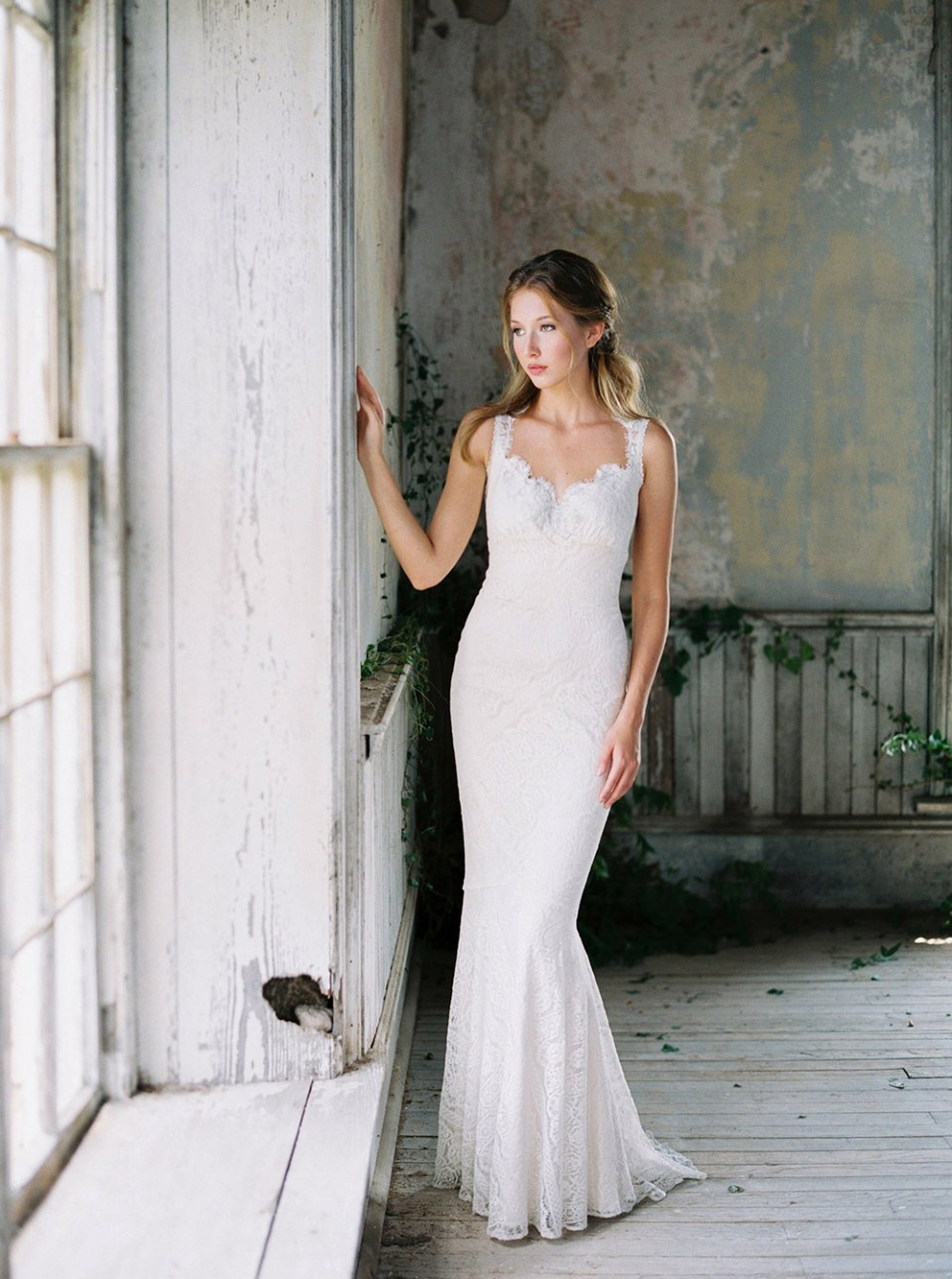 Wyoming - Romantique 2016 Collection. www.theweddingnotebook.com