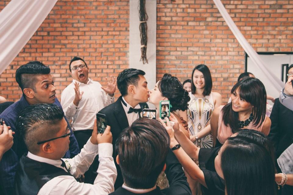 Munkeat Photography –2015 Most Inspiring Wedding Couples And Ideas. www.theweddingnotebook.com