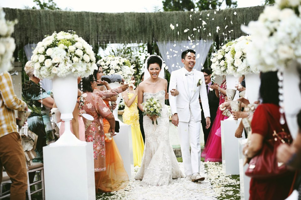 Photography by Axioo –2015 Most Inspiring Wedding Couples And Ideas. www.theweddingnotebook.com