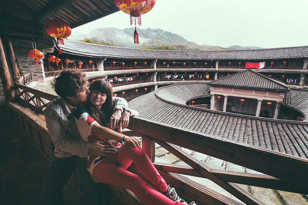 DIY Wedding Photoshoot, Hakka Earth Building, Fujian, China. www.theweddingnotebook.com
