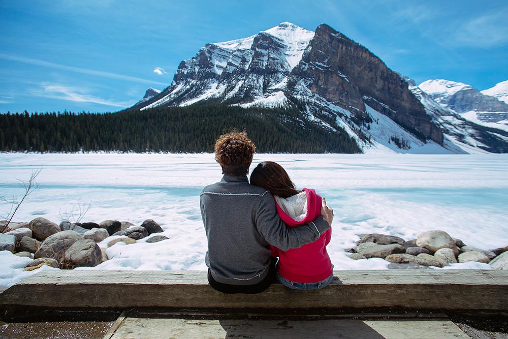 DIY Wedding Photoshoot, Lake Louise, Canada. www.theweddingnotebook.com