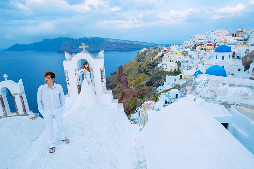 DIY Wedding Photoshoot, Santorini, Greece. www.theweddingnotebook.com