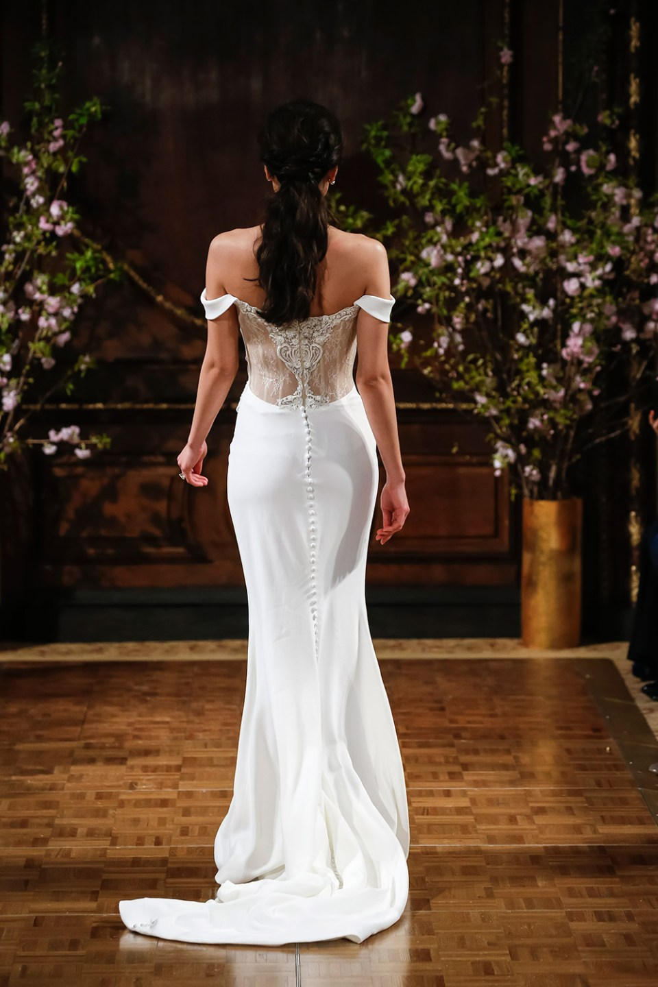 Montana - Isabelle Armstrong Spring 2017 Bridal Collection. www.theweddingnotebook.com