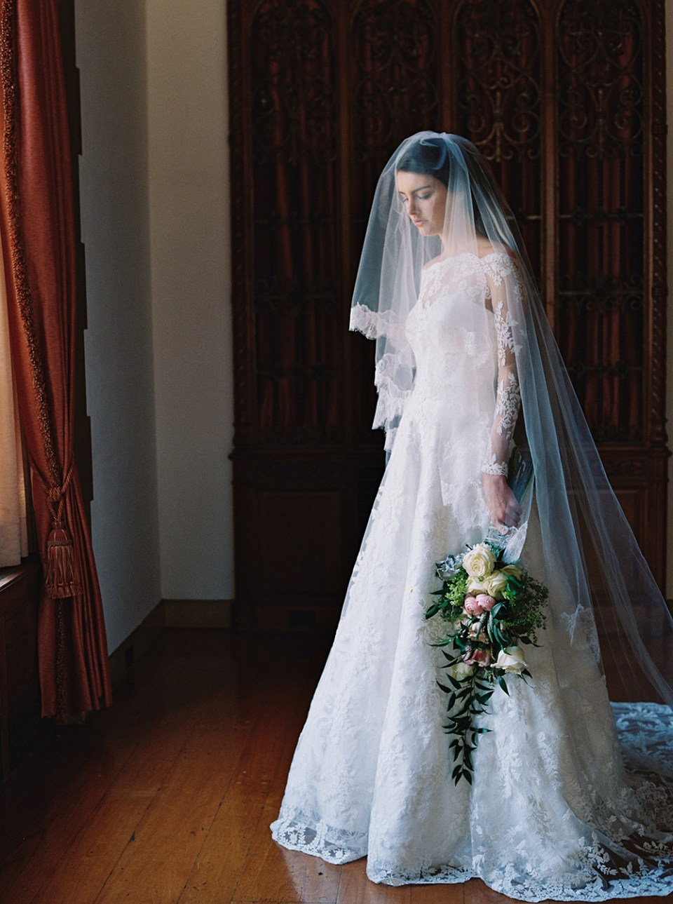 Lily of the Valley: Sareh Nouri – New York Spring 2017 Bridal Collection. www.theweddingnotebook.com