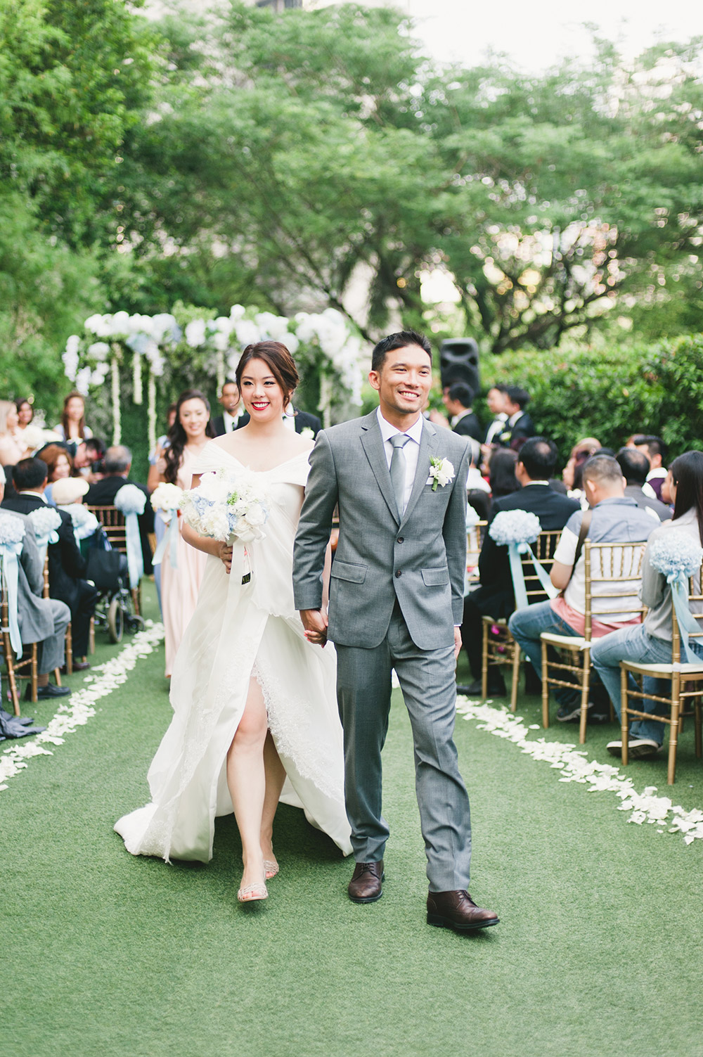 Garden wedding at Marble 8, Kuala Lumpur. Photo by Inlight Photos. www.theweddingnotebook.com