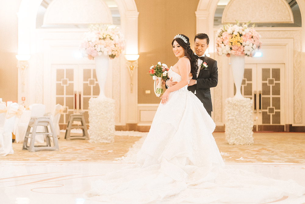 a classic floral and ornate wedding at shangri la hotel jakarta