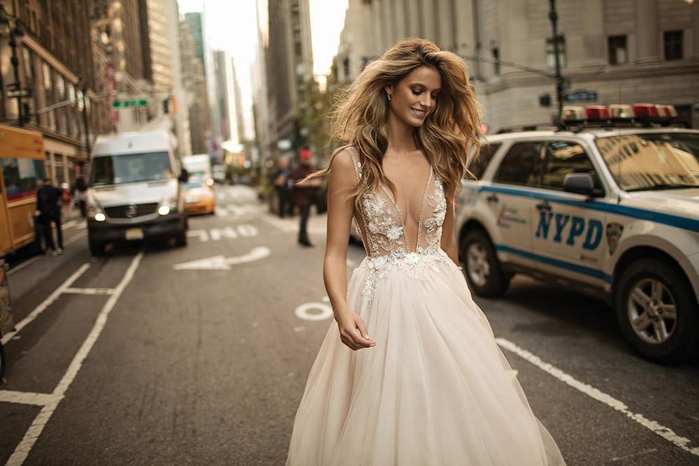 Berta Fall 2017 Collection. www.theweddingnotebook.com