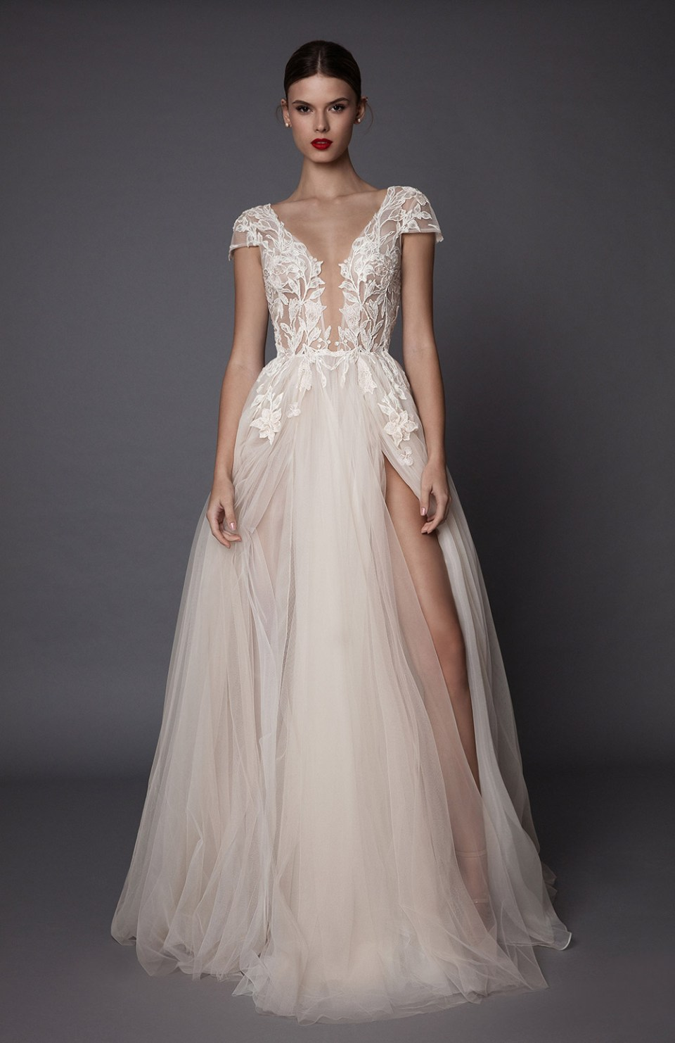 Antonia - Muse by Berta Fall 2017 Collection. www.theweddingnotebook.com