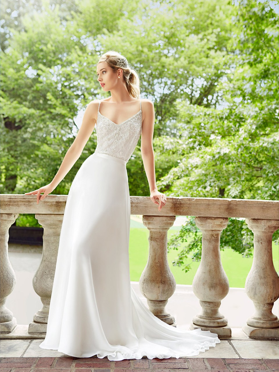 Simply Val Stefani Spring 2017 Collection. www.theweddingnotebook.com
