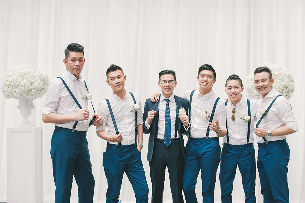 Bestmen in navy blue. Photo by Munkeat Photography. www.theweddingnotebook.com