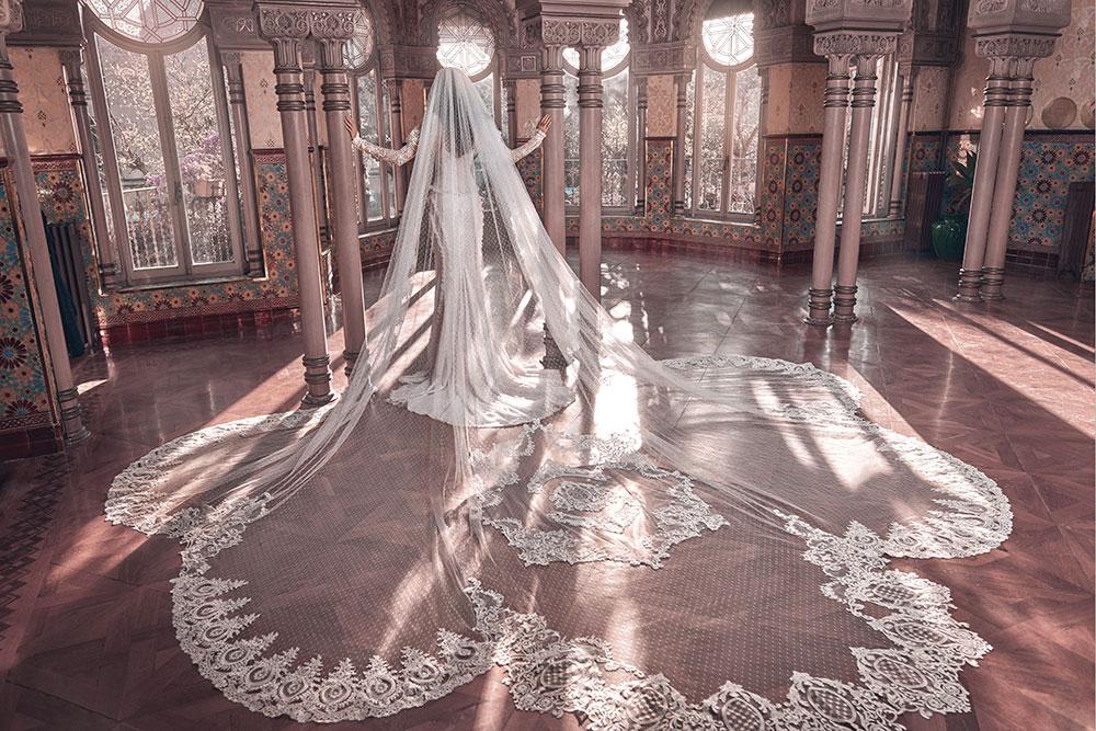 Esther veil - Galia Lahav Spring 2018 Collection. www.theweddingnotebook.com