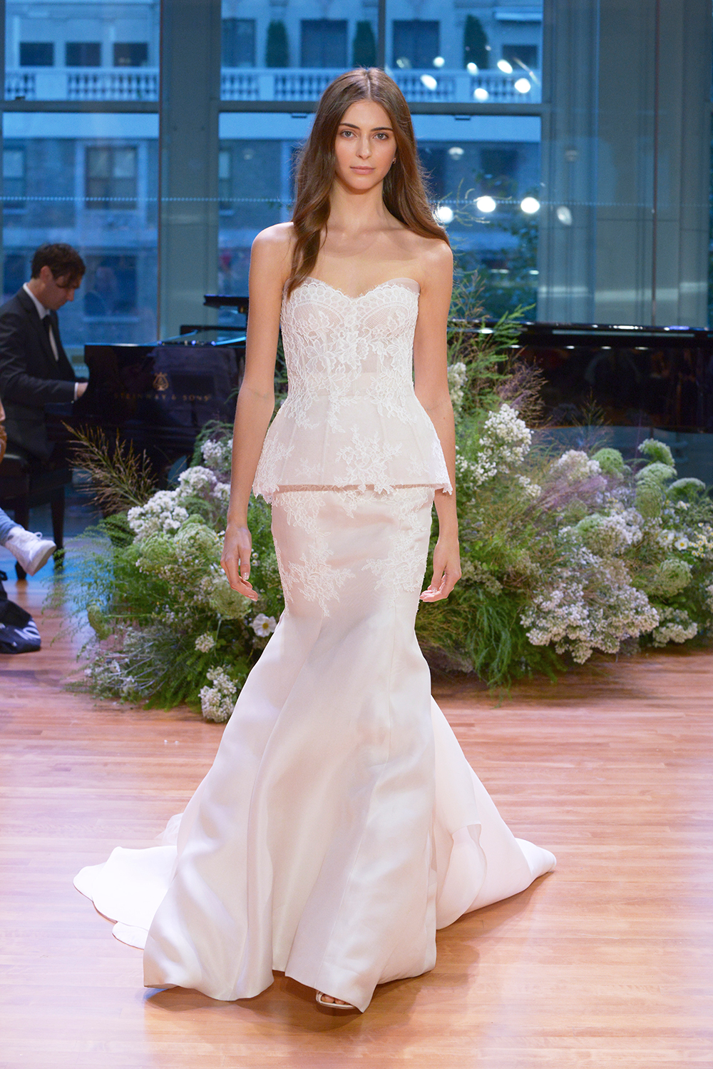 Faithful - Monique Lhuillier Fall 2017 Bridal Collection. www.theweddingnotebook.com