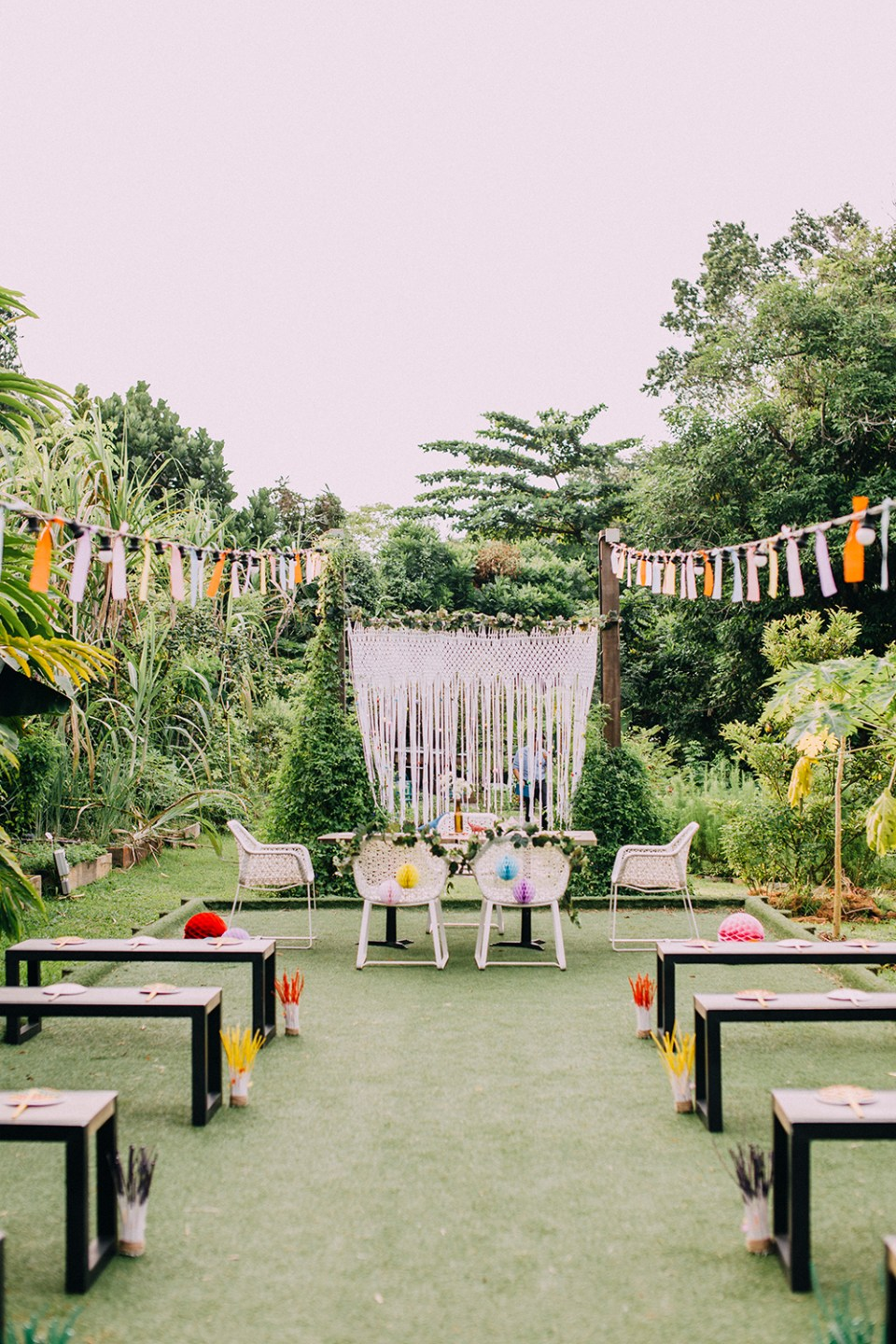 Garden wedding at Open Farm Community Singapore. Photo by AndroidsinBoots. www.theweddingnotebook.com