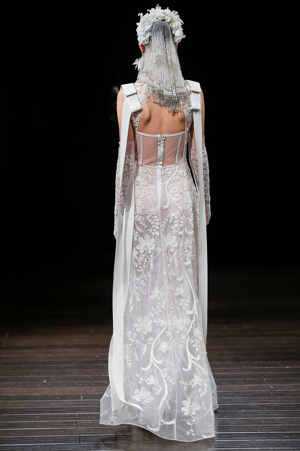 SISTINA - Naeem Khan 2018 Bridal Collection. www.theweddingnotebook.com