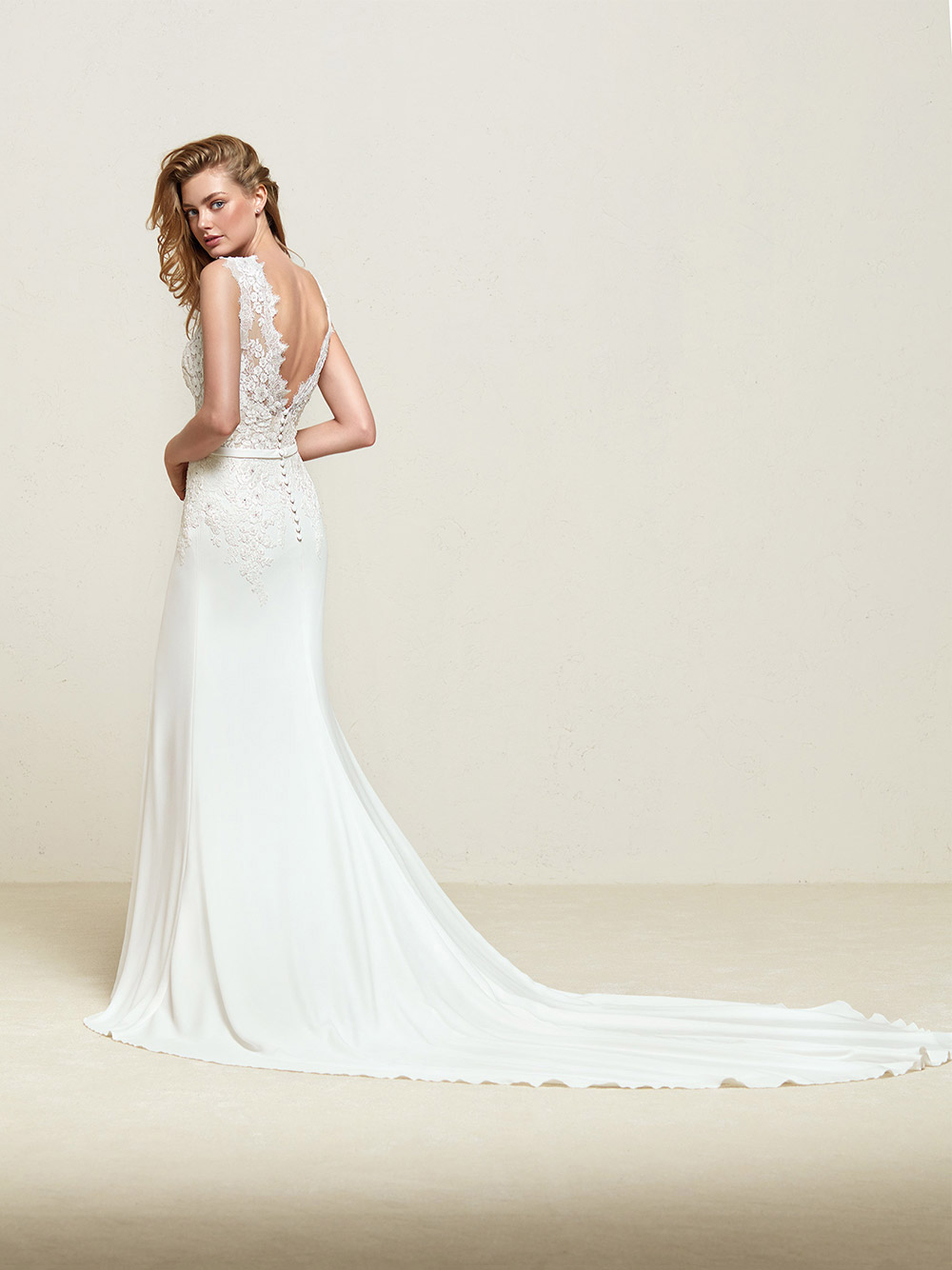 Drenina - Pronovias 2018 Bridal Collection. www.theweddingnotebook.com