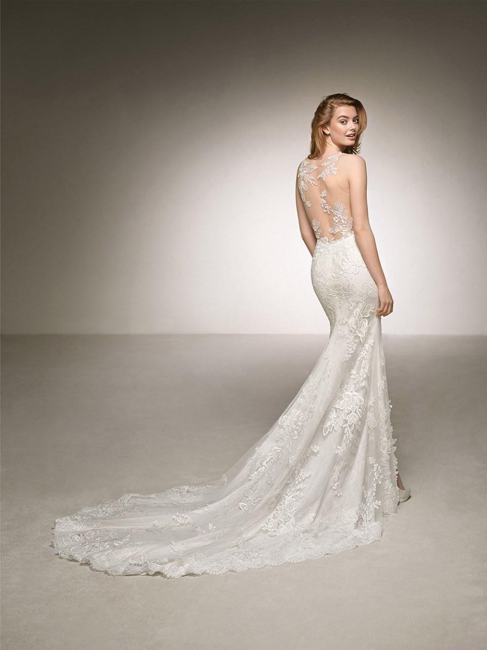 Dauco - Pronovias 2018 Bridal Collection. www.theweddingnotebook.com