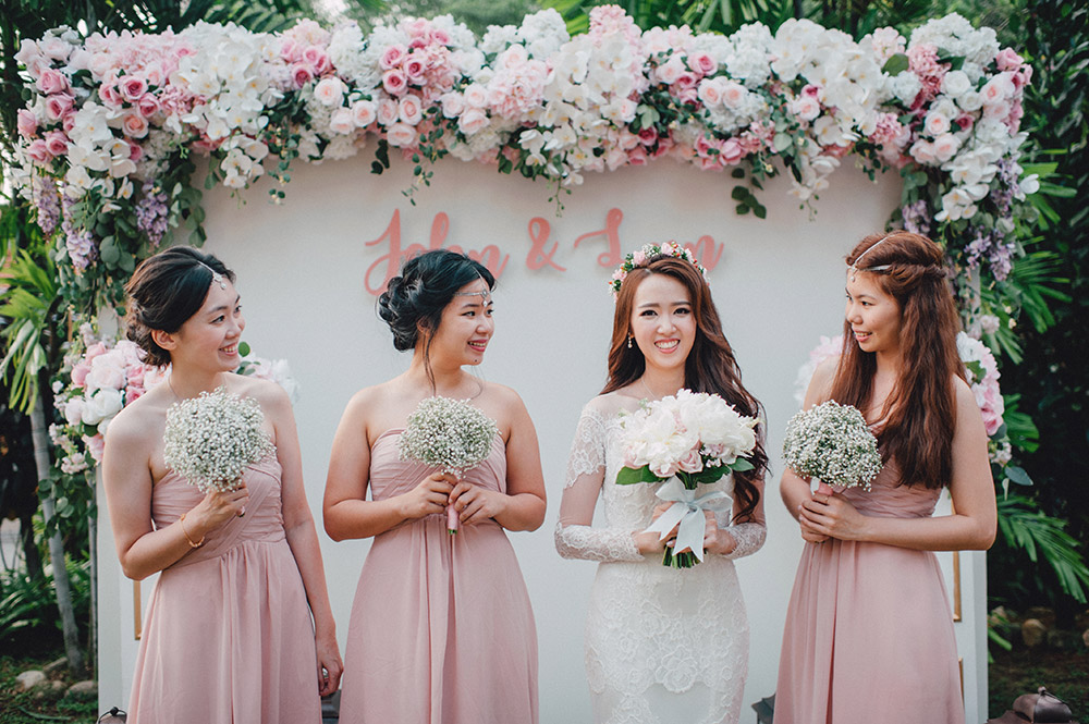 Blush pink wedding backdrop. Photo by Mcs Wedding Gallery. www.theweddingnotebook.com