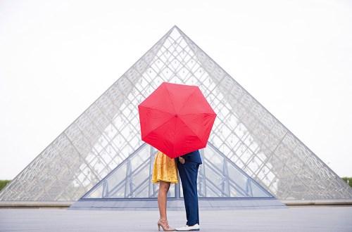 Photo by Kiss Me in Paris. www.theweddingnotebook.com