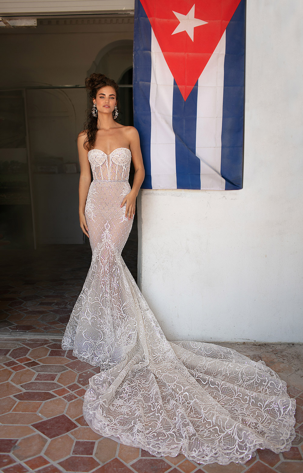 Berta Bridal Spring 2019 Collection. www.theweddingnotebook.com