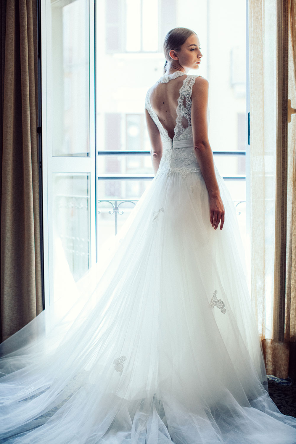 Lusan Mandongus 2018 Bridal Collection. www.theweddingnotebook.com