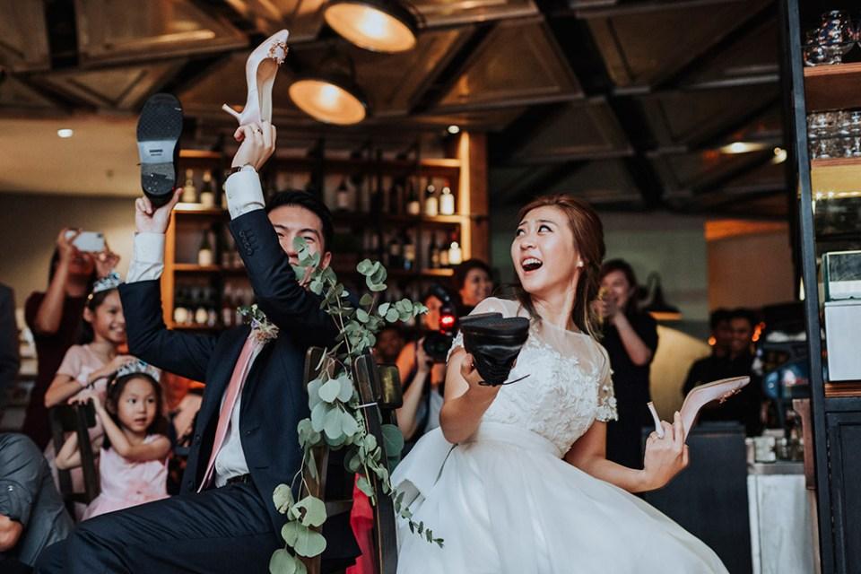 Photo by Andrew Chow of Munkeat Studio. www.theweddingnotebook.com