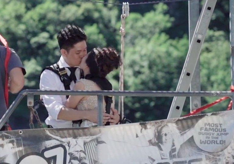 Bungee jumping wedding. Videography by ABC Studio. www.theweddingnotebook.com